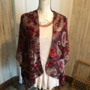 Ann Taylor loft maroon w/ velvet accent kimono OS